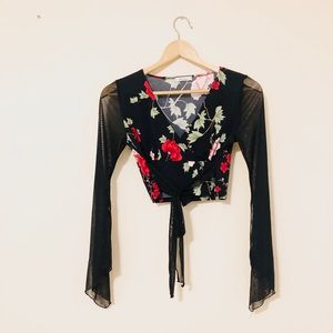 VINTAGE 🌹 Rose Wrap Crop Top S